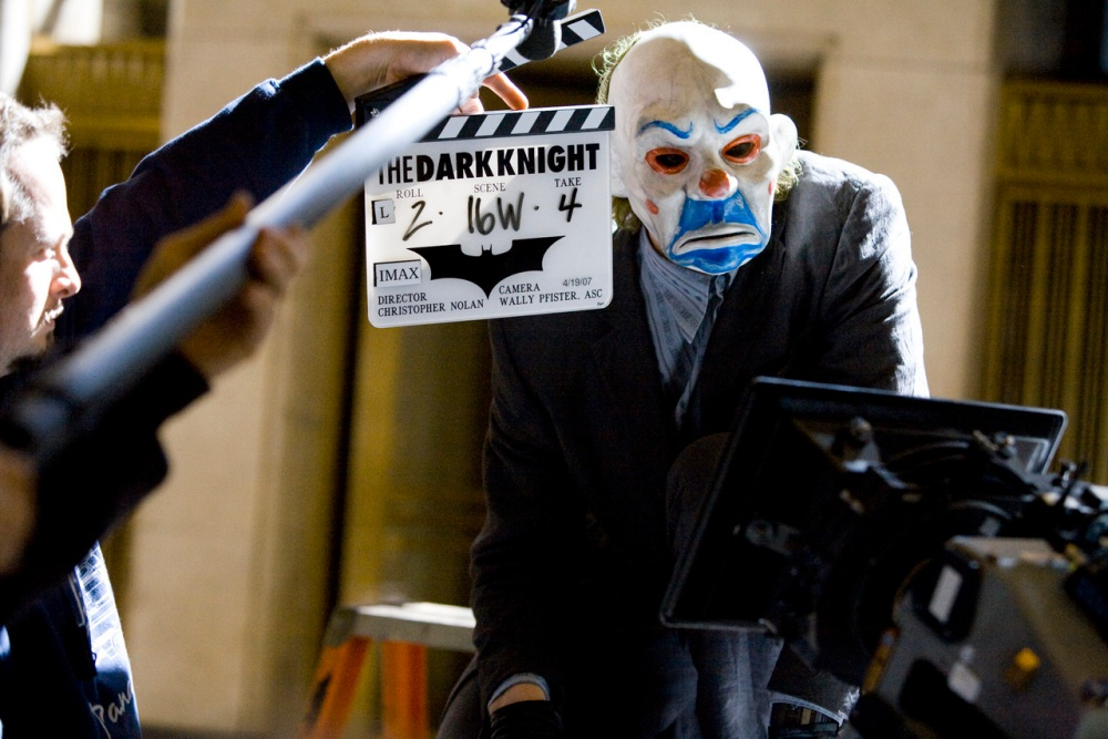 DK-behind-the-scenes-the-dark-knight-9471510-1280-854