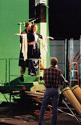 Behind-the-scenes-titanic-8653859-260-400