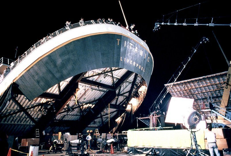 Behind-the-scenes-titanic-8654029-802-544