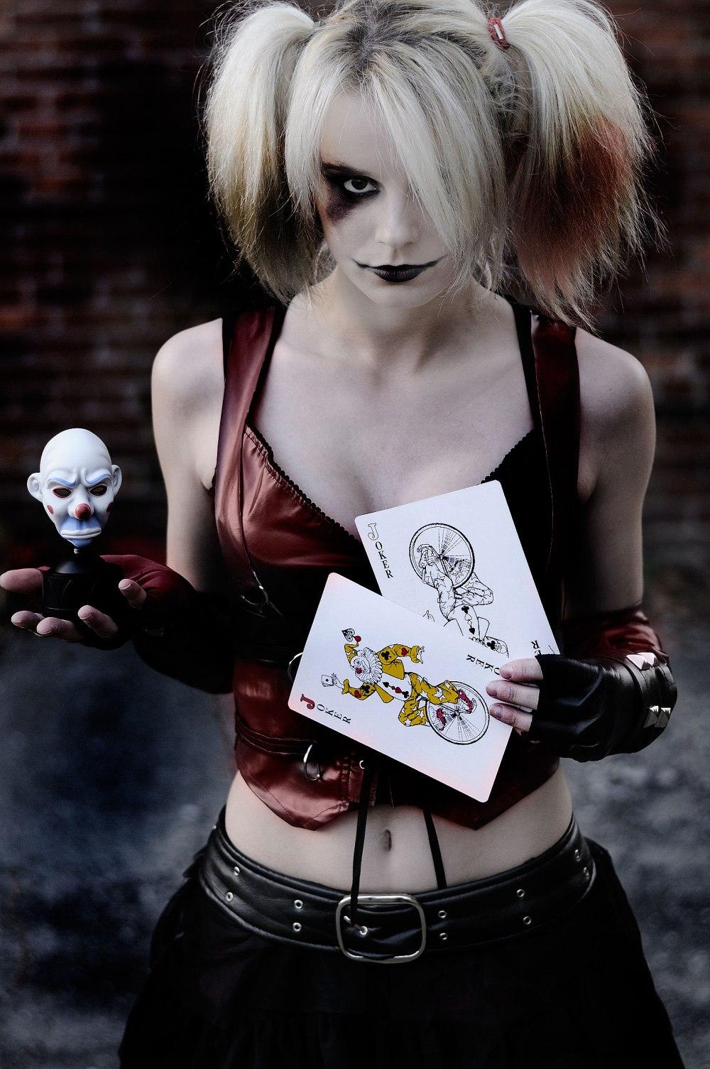 Alexa-Karii-Harley-Quinn-cosplay