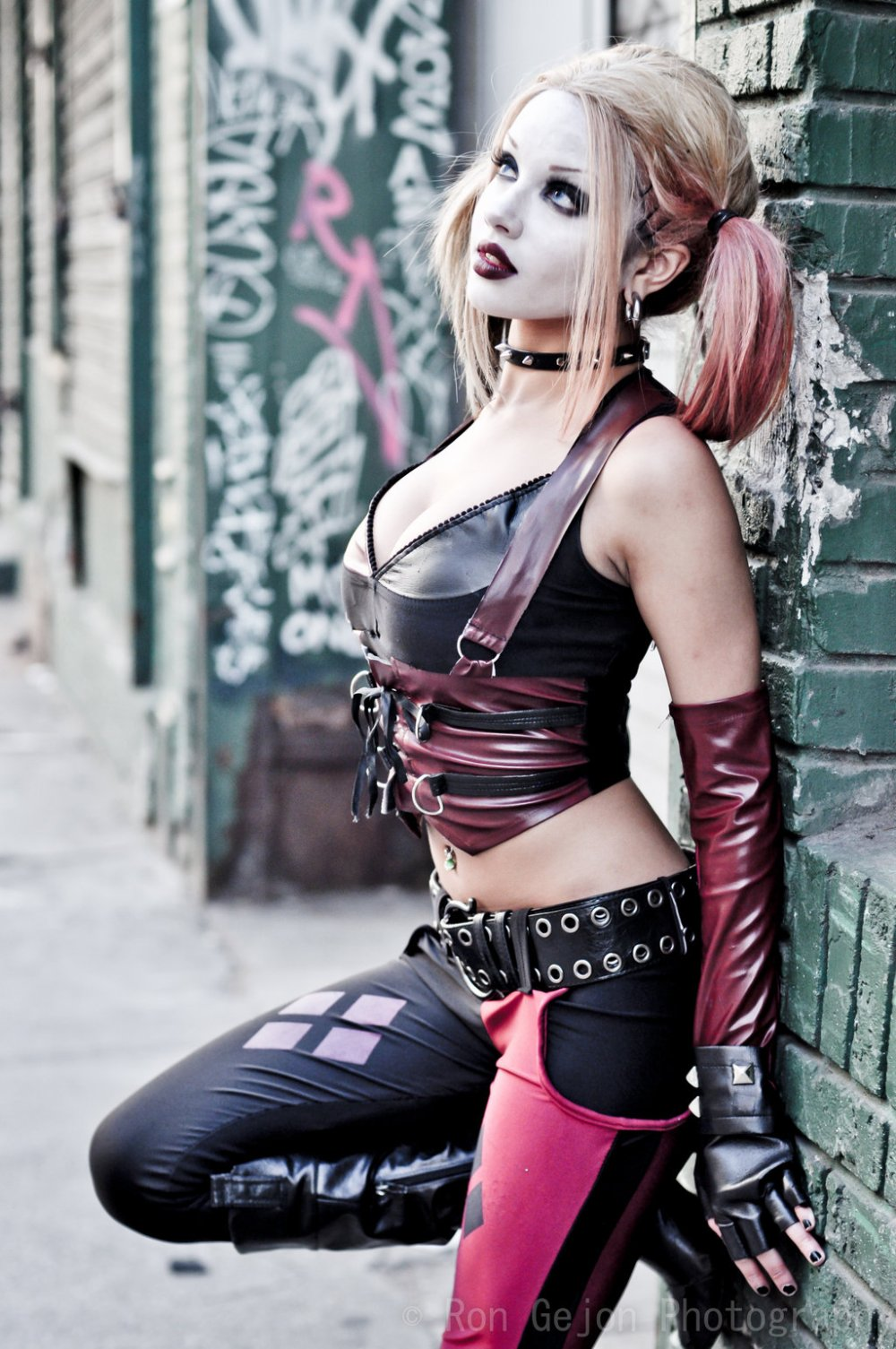 harley_quinn_cosplay_by_rongejon-d62mzf5