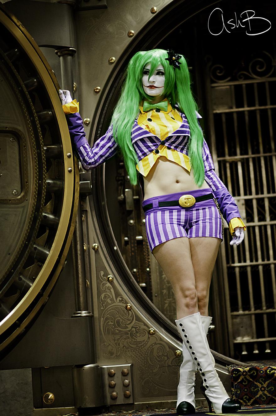 kelly_as_female_joker_by_ashbimages-d5a670e