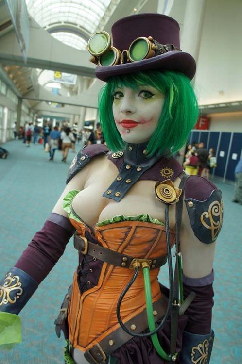 sexy-joker-cosplay
