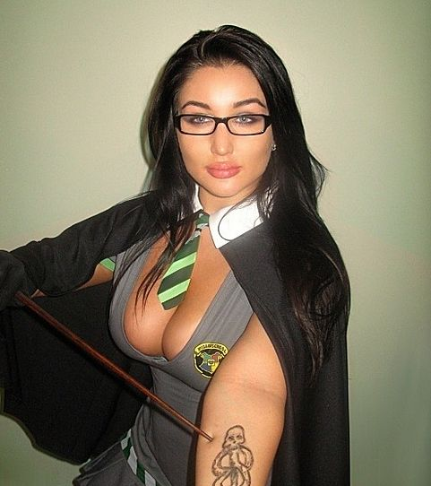these-21-sexy-harry-potter-cosplayers-do-not-need-a-love-potion-to-seduce-you-311129