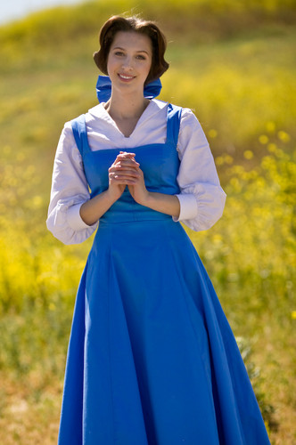 Belle-cosplay-disney-princess-30463849-332-500