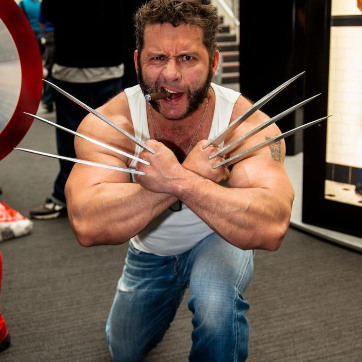 Wolverine Cosplay (4)